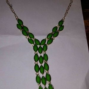 Dropped beaded green necklace